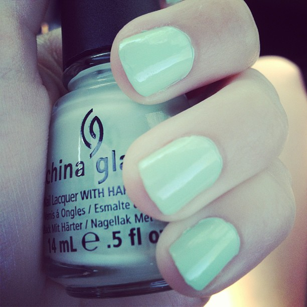 China_Glaze_s_Re-fresh_Mint